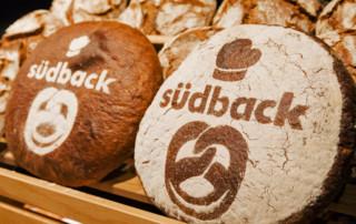 Brote mit der Aufschrift südback